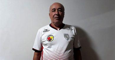 """PARA MANTER A FORMA, ÁRBITRO """"GAVIÃO"""" CAMINHA 7 KM DIARIAMENTE"""