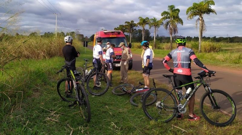 Após distração, Lucas Mazzin capota a bicicleta e fratura clavícula