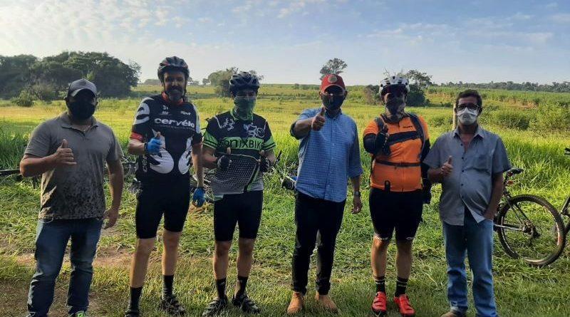 Ciclistas recebem boas notícias do prefeito de Nova Aliança do Ivaí